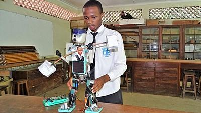 Tanzanian teenager constructs solar powered robot