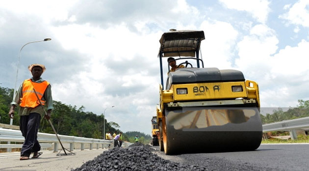 KeNHA cautions lazy road contractors