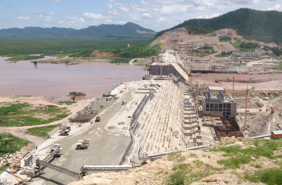 Ethiopia continues with huge hydro dam amid Egypt warning