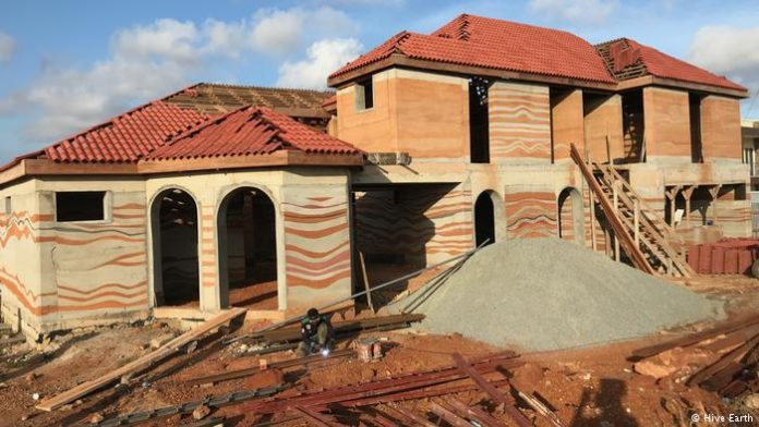 Could improved mud houses help tackle housing shortage in Africa?