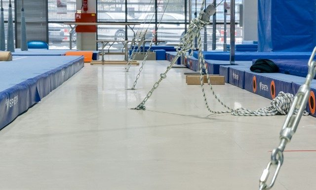 High-tech polish gym installs high-tech flooring