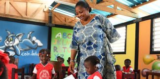 UNICEF builds recycled plastic brick factory in Côte d'Ivoire