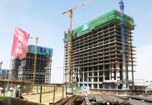 Egypt completes work on first skyscraper in new capital