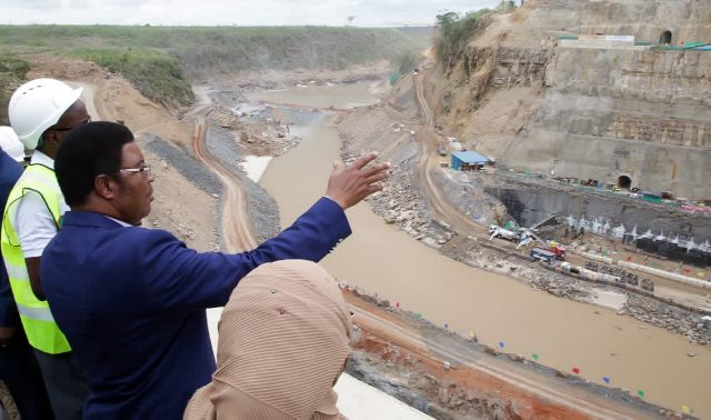 Construction of dam at Julius Nyerere Hydropower Station begins