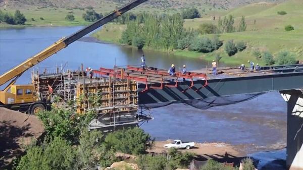 Senqu Bridge construction contract kicks off