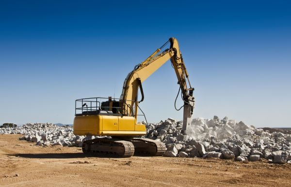 4 Advantages To Buying Used Heavy Equipment